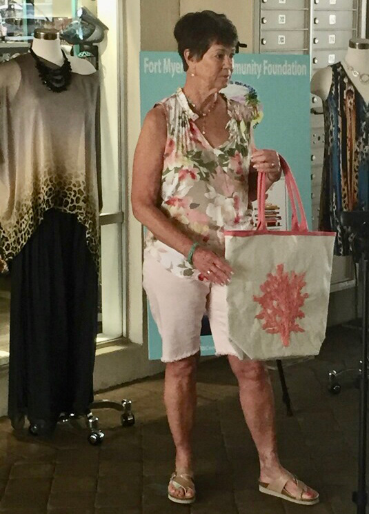 shorts-set-with-matching-tote-fashion-show